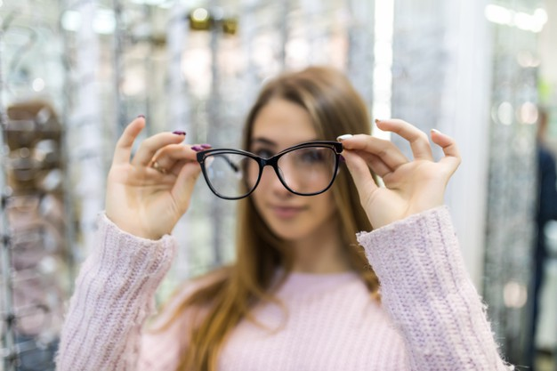 How To Improve Your Eyesight Naturally?